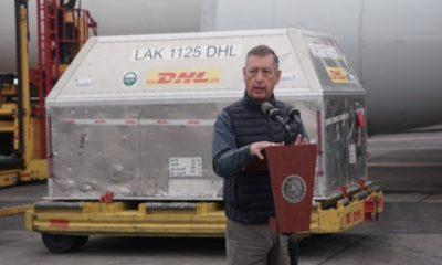 Llegan a México 585 mil dosis de Pfizer contra Covid-19
