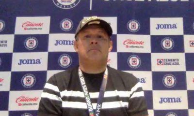 Juan Reynoso agradeció al profe Meza. Foto: Twitter