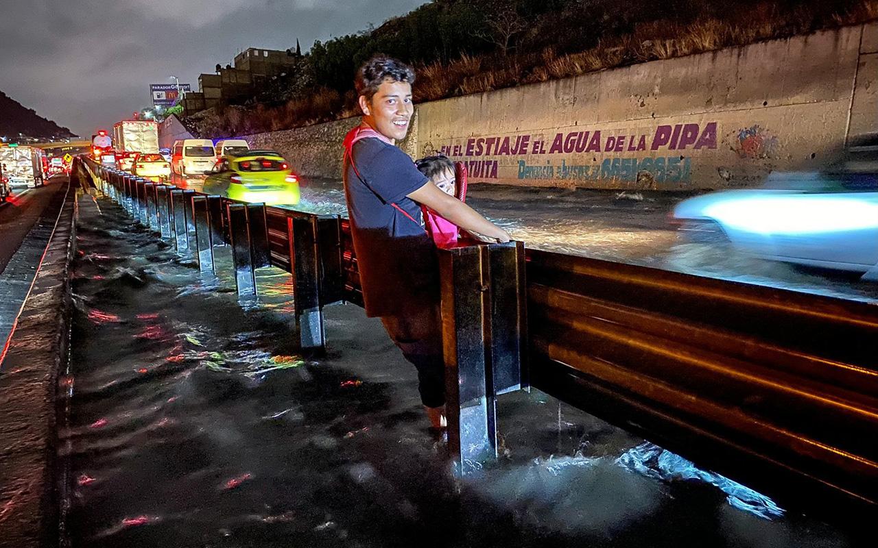 Activan protocolos por inundaciones en el Valle de México