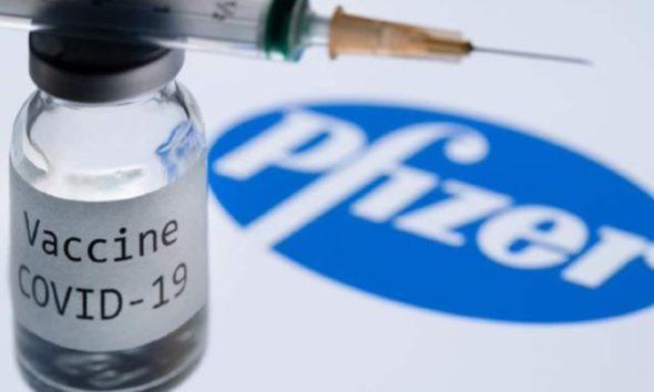 Pfizer pide a Cofepris autorizar vacunar a menores de 12 a 15 años