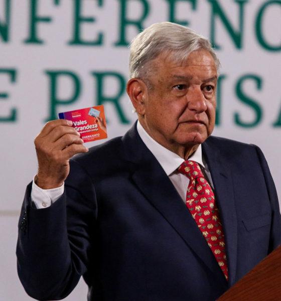 Critica López Obrador a consejeros del INE por video de 2017