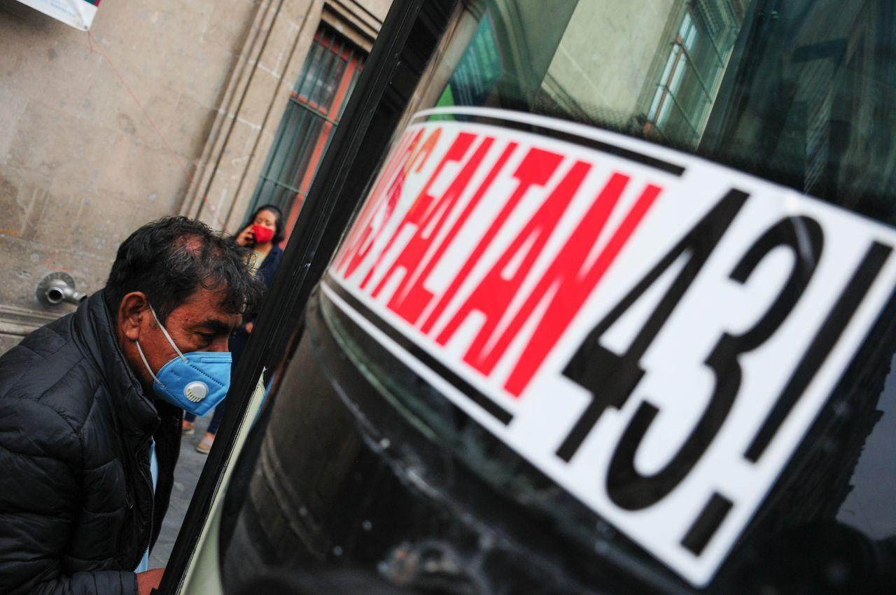EU entrega expediente de caso Ayotzinapa