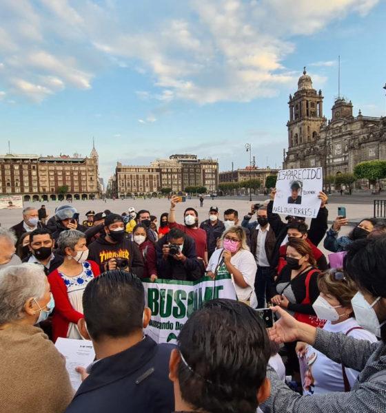 Sin invitación a festival, atienden a madres afuera de Palacio Nacional