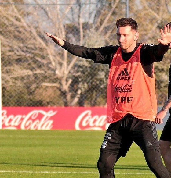 Argentina enfrenta a Chile. Foto: Twitter