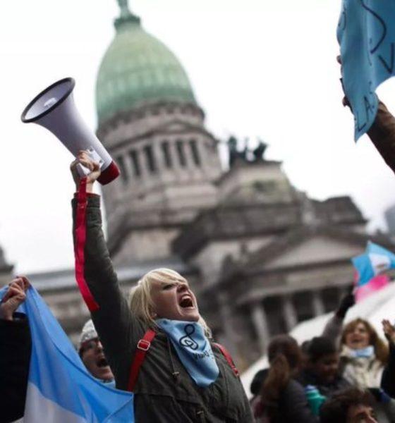 Juez ordena suspender Ley de Aborto en Argentina