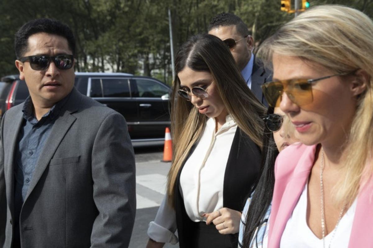 """Esposa de """"El Chapo"""" Guzmán se declara culpable por narcotráfico y lavado de dinero"""