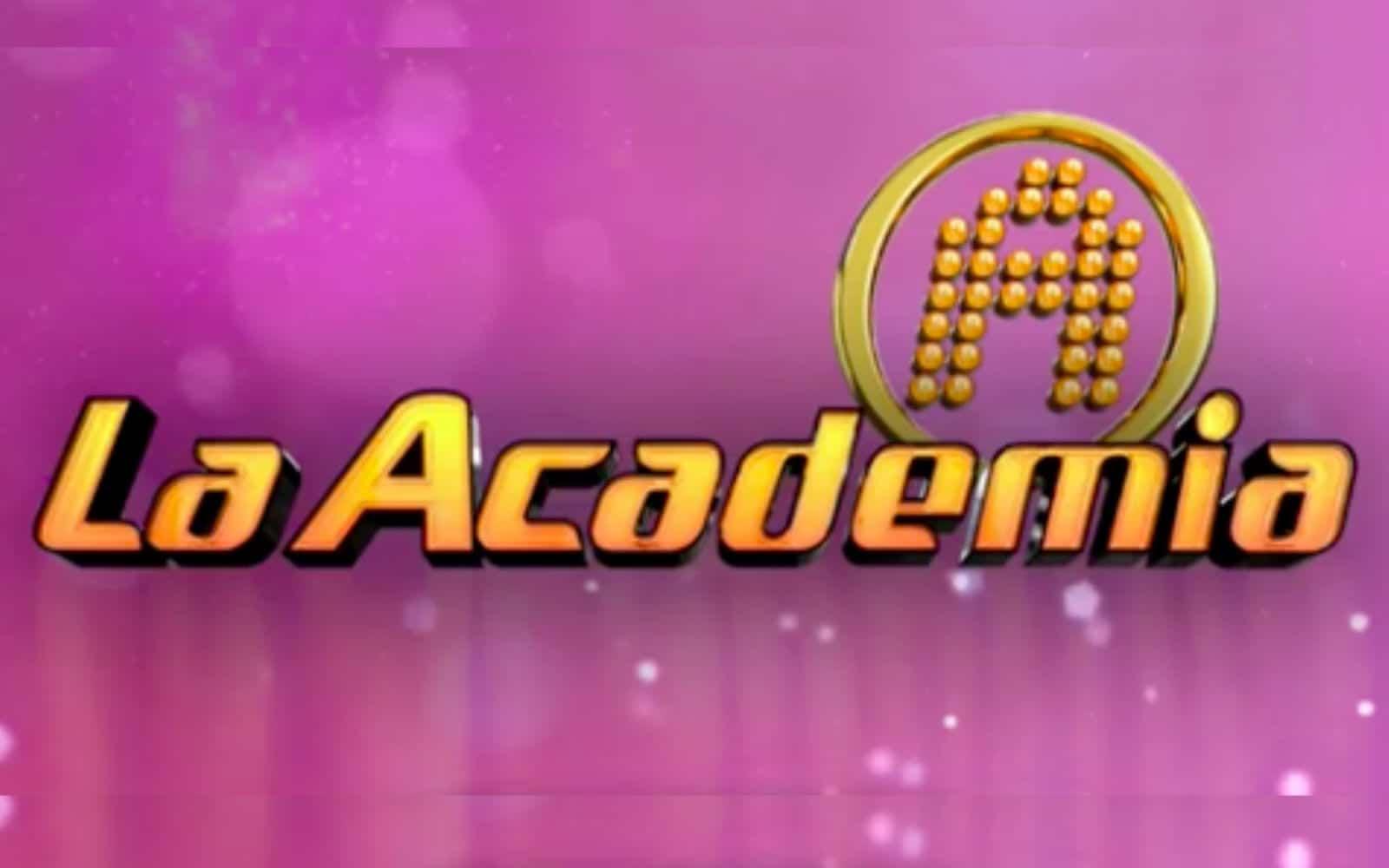 Exintegrante de La Academia se encuentra intubada. Foto: TV Azteca