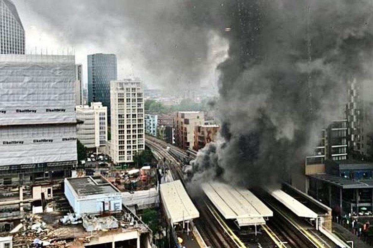 Se registra incendio y explosión en una estación de tren en Londres