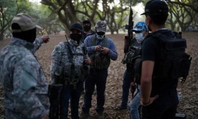 Autodefensas encubren a delincuentes, acusó López Obrador