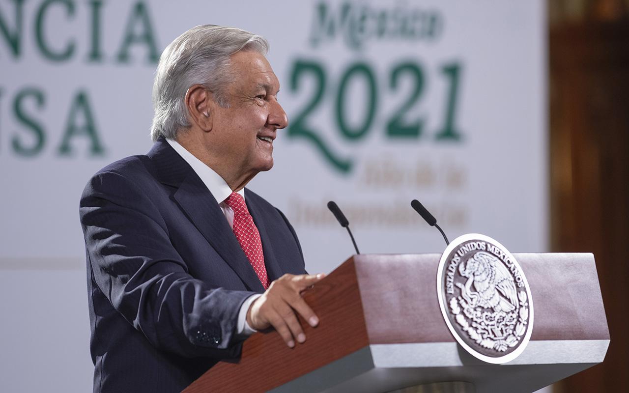 INE puede pagar consulta a expresidentes con sus recursos: AMLO