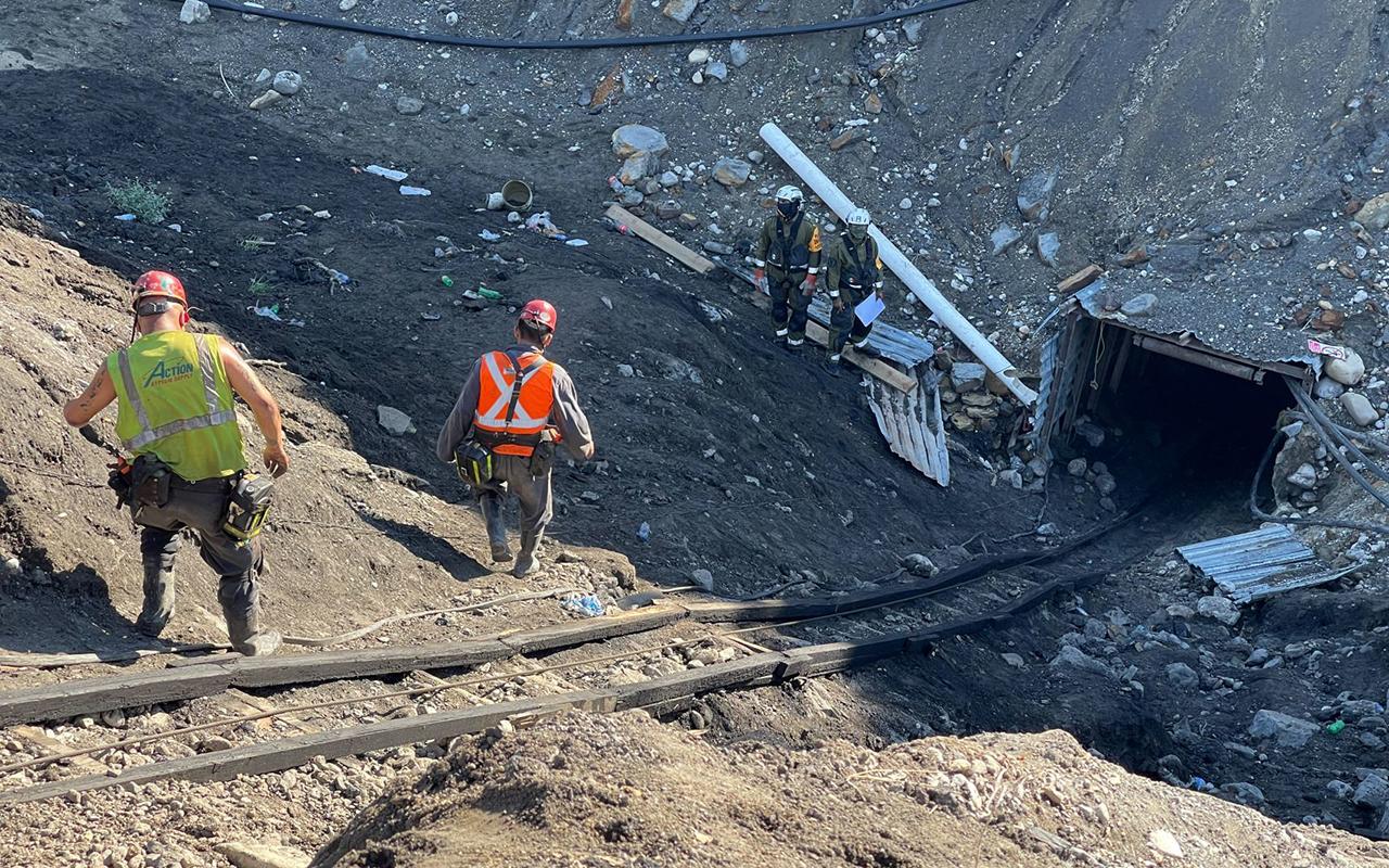 Pide AMLO no lucrar con tragedia de mineros en Coahuila
