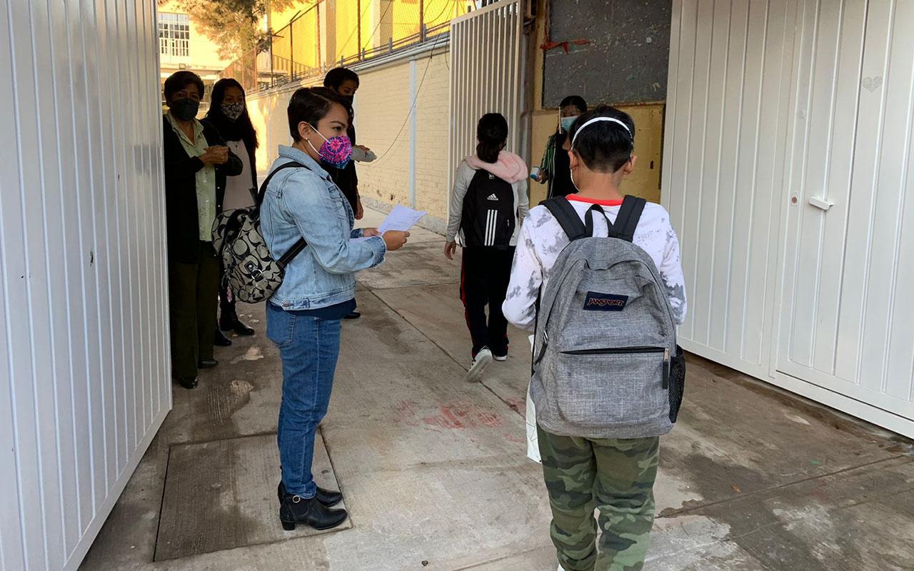 Regresan alumnos a clases presenciales en escuelas de CDMX