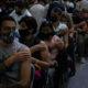 BC inicia vacunación anticovid a todos los adultos