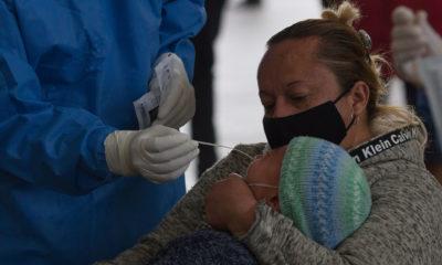 ¿Mamá con Covid-19 puede amamantar al bebé?