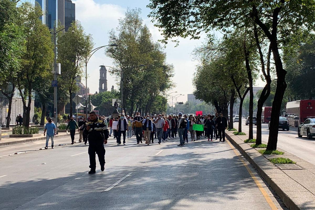 Protestan trabajadores de la FGR por cierre de CENDI