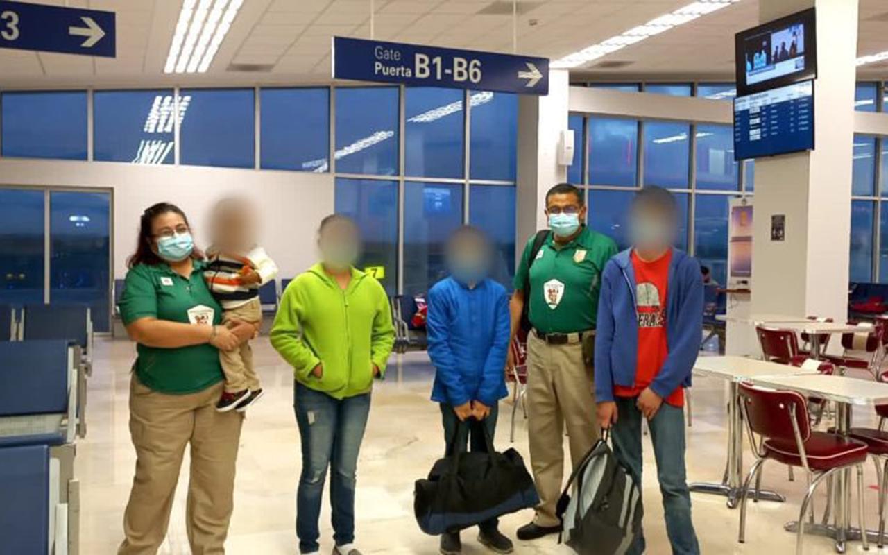 Bebé migrante, abandonado en Veracruz, se reúne con su familia