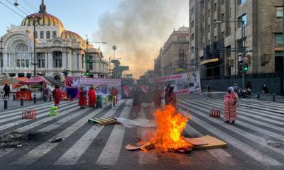 Regresa bloqueo de triquis en Eje Lázaro Cárdenas; protestan por represión