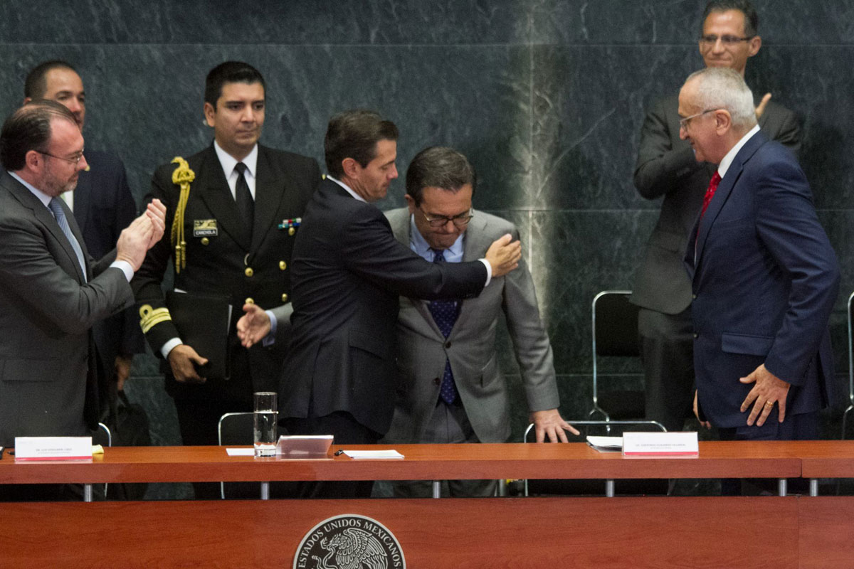Vinculan a proceso a ex secretario de EPN y operador del T-MEC