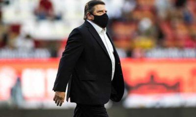 Miguel Herrera lanza amenaza a sus jugadores. Foto: Twitter