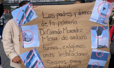 """Padres de familia bloquean y demandan escuela """"segura"""", en Cuajimalpa"""