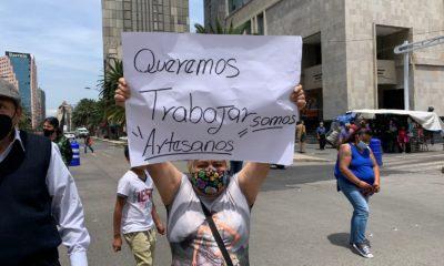 Comerciantes bloquean Juárez y Balderas; demandan de espacios de trabajo