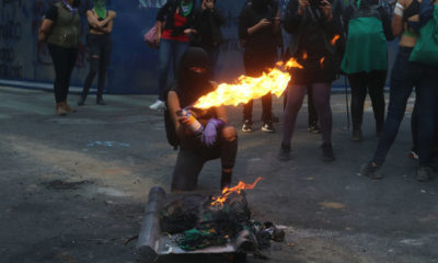 Con violencia, encapuchadas piden no criminalizar las protestas
