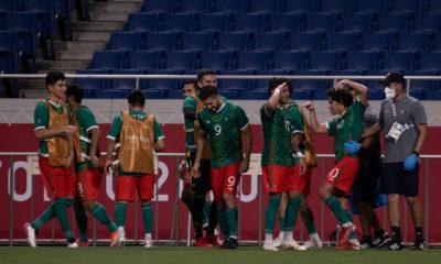 Emociona a AMLO medalla de bronce de selección de Fútbol