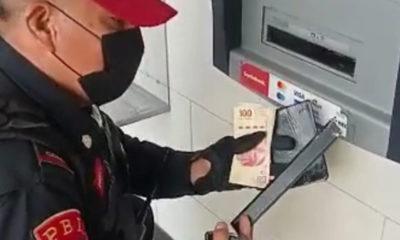 Ponen trampa en cajero automático; policía la descubre