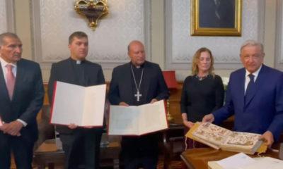 AMLO agradece al Papa Francisco envío de códices prehispánicos