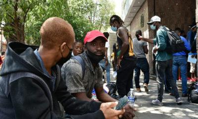 Cientos de migrantes haitianos tramitan solicitud de refugio en México