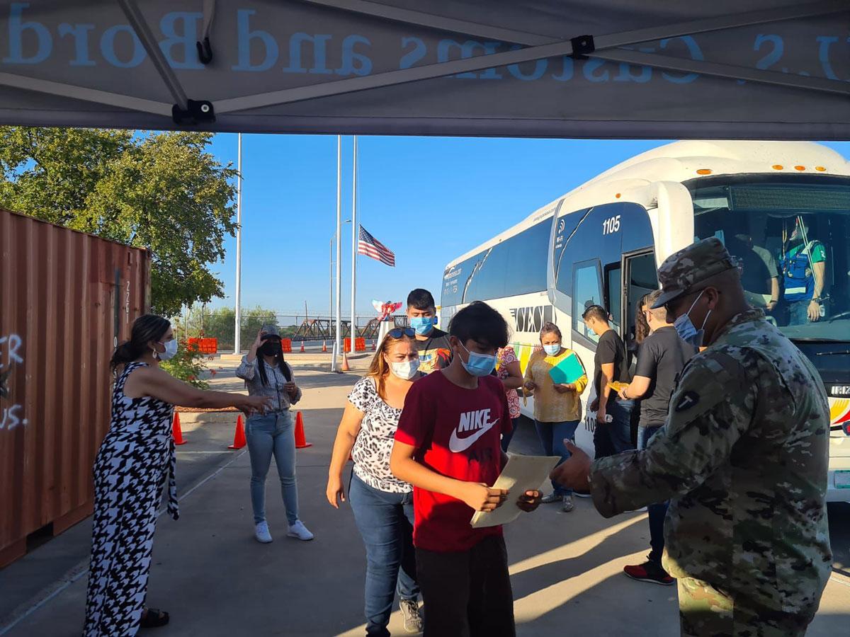 Inicia vacunación contra Covid-19 a menores de edad en Coahuila