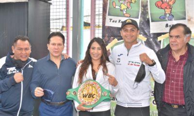 Entregan equipo de boxeo a jóvenes de Iztapalapa. Foto: Twitter