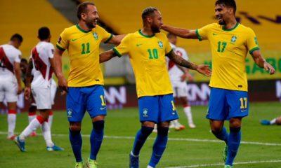 Explota Neymar contra los aficionados. Foto: Twitter