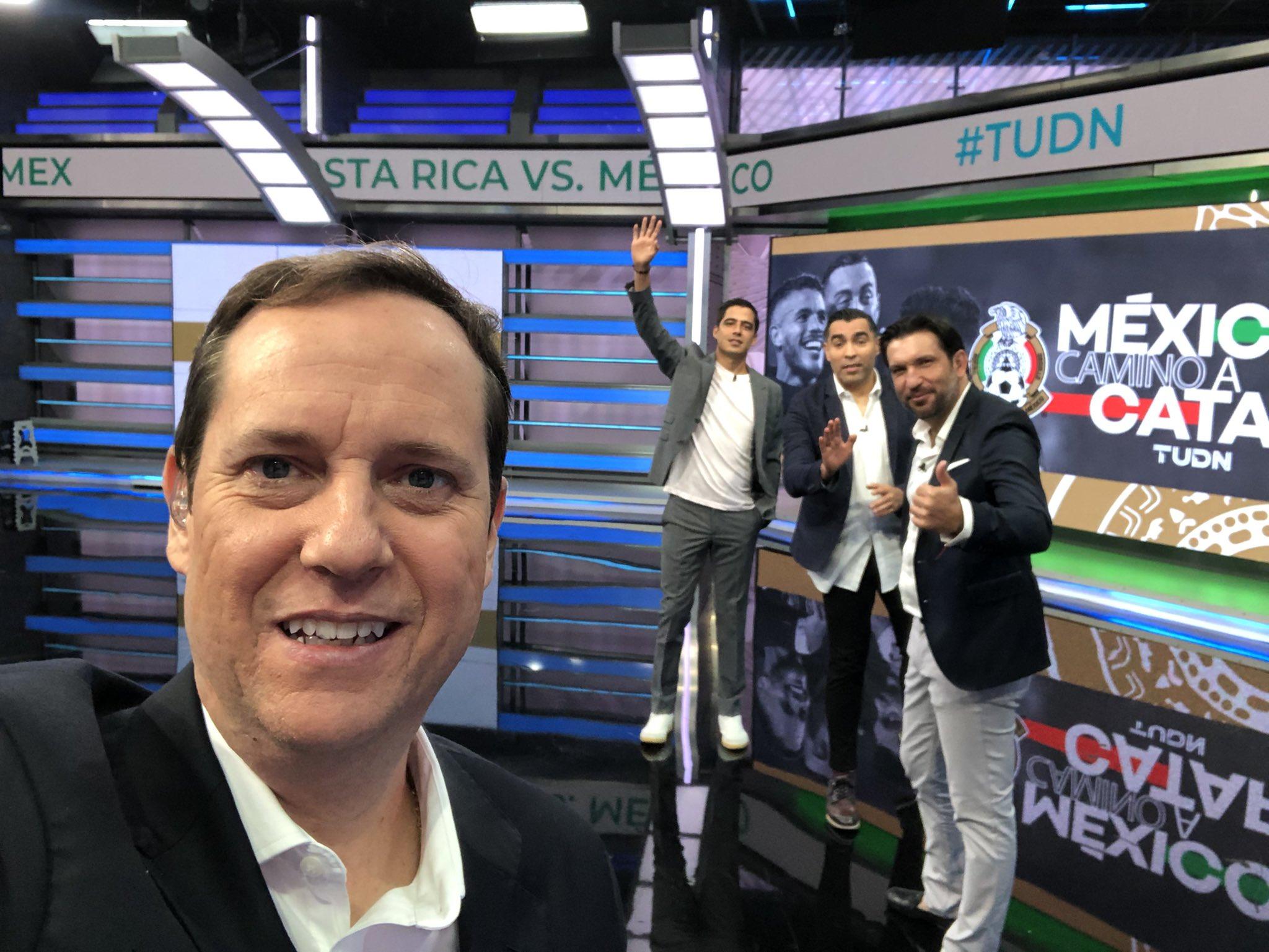 Rechaza comentarista de Televisa que lo hayan regañado. Foto: Twitter