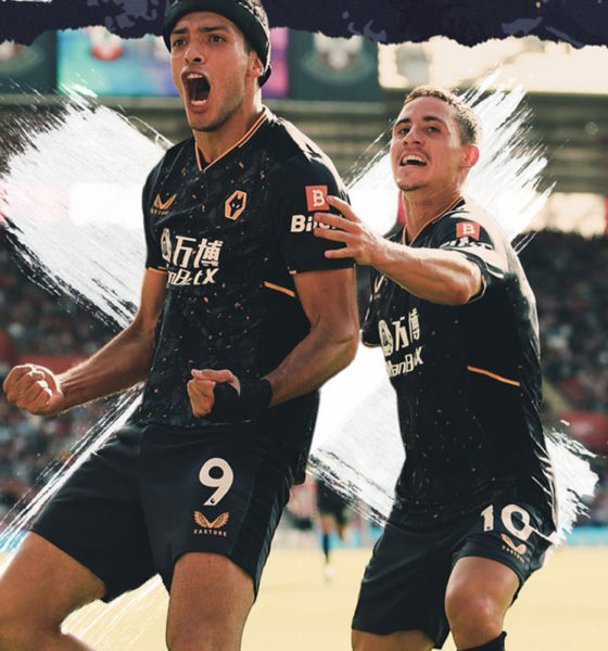 Raúl Jiménez anota su primer gol en la Premier League