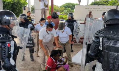 INM y GN desarticulan caravana y detienen a migrantes en Chiapas