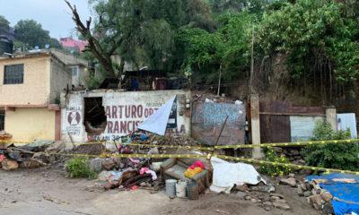 Servicios de emergencia trabajan en zona de derrumbe en Ecatepec