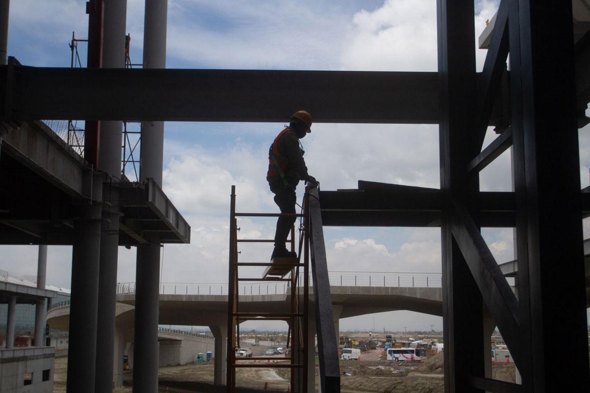 """Han muerto cinco trabajadores en obras de nuevo aeropuerto """"Felipe Ángeles"""": Sedena"""