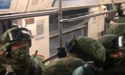 Militares se trasladan en Metro para participar en el desfile de Independencia