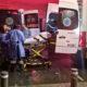 Mujer da a luz a gemelos en hotel; policías ayudan en parto