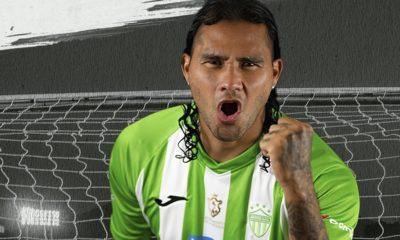 Carlos Gullit Peña dejó a Chivas. Foto: Twitter