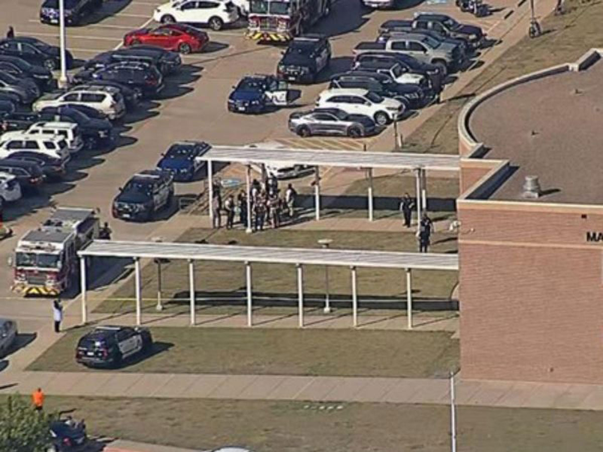 Tiroteo en secundaria de Texas deja cuatro heridos