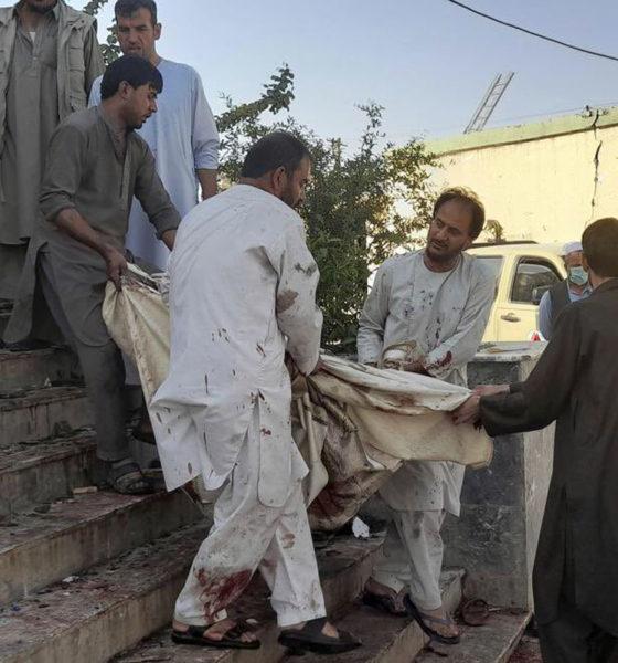 Atentado en Afganistán deja al menos 50 muertos y decenas de heridos
