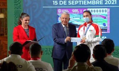 López Obrador entregó estímulos económicos a deportistas. Foto: Twitter