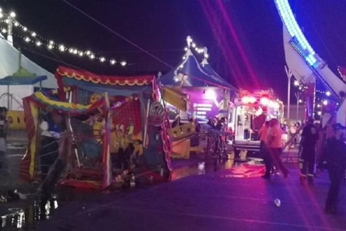 Se desploma juego mecánico en Expo Feria de NL, varios lesionados