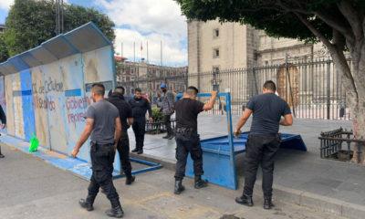 Quitan vallas de protección en la Catedral Metropolitana