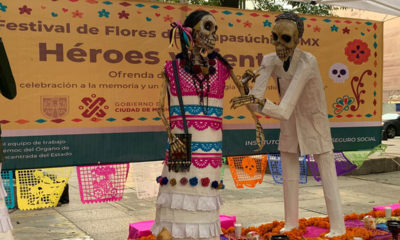 Colocan primeras ofrendas por Día de Muertos en Paseo de la Reforma
